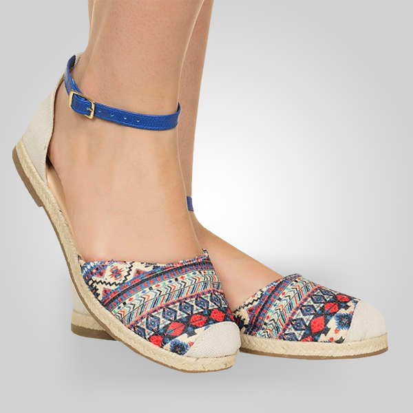 6868407c18a26 Cada detalhe do sapato é especialmente desenhado para destacar a beleza e a atitude  feminina. Na Evolução os sapatos estão sempre alinhados com as ...